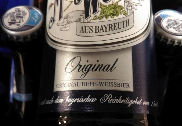 Auch Maisel in Bayreuth wirbt mit der strittigen Jahreszahl 1516.